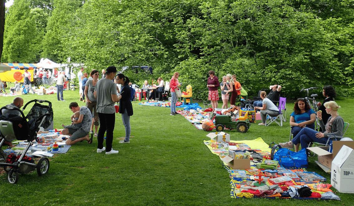 foto van een buurtfeest